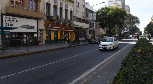 Confirman que el tránsito en la ciudad cayó tras las restricciones