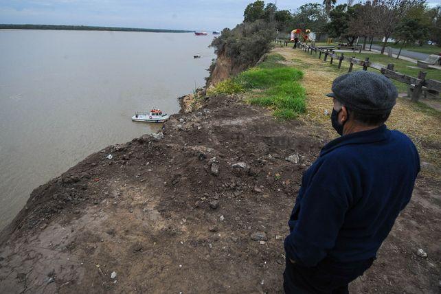 Una de las últimas búsquedas, en la ribera de San Lorenzo.