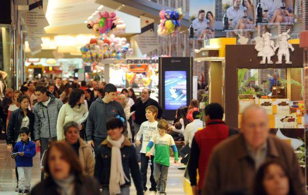 Otros tiempos. Las compras indiscriminadas quedaron atrás y el consumidor gasta en ocasiones puntuales.