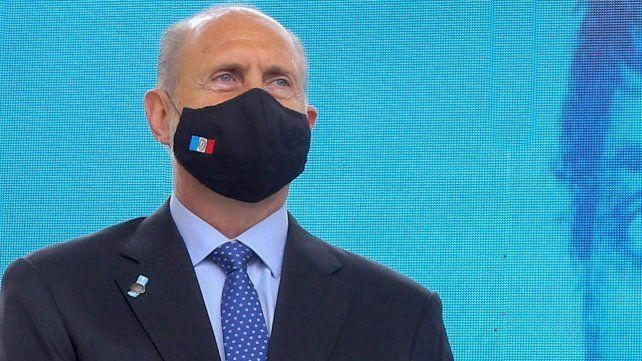 El gobernador dijo que hay que darle un respiro al sistema de salud.