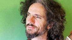 Músicas mochileras: Agustín Ronconi presenta su folclore de fusión en Rosario