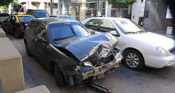 Murió el pasajero de un taxi tras un choque en Mitre y San Luis