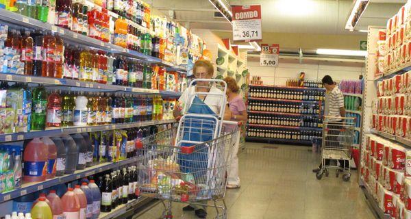 Para Camioneros, el porcentaje de aumento salarial lo fija la góndola del supermercado