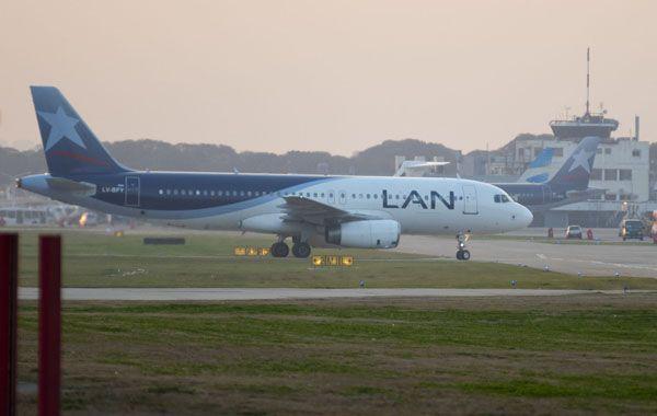 Sin pista. El gobierno busca que LAN opere desde el aeropuerto de San Fernando. La firma chilena irá a la Justicia.