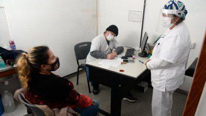 Coronavirus: Rosario registró 808 casos nuevos y la provincia de Santa Fe informó 2.381 contagios