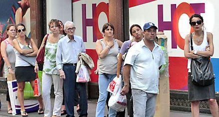 Taxistas piden priorizar a los peones en el reparto de las nuevas licencias