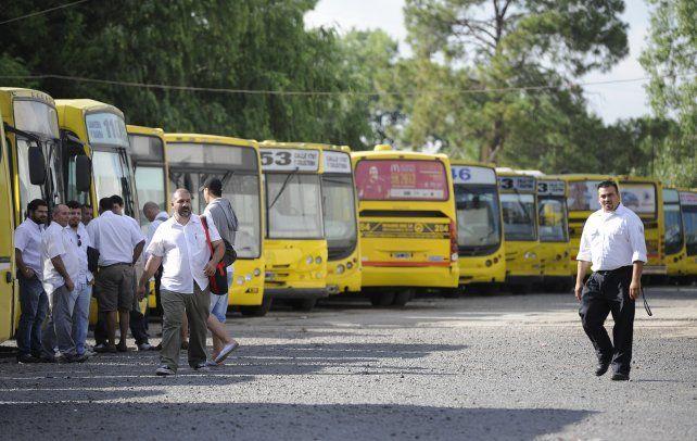 Punta de línea. El grupo transportista Rosario Bus nuclea a varias líneas urbanas e interurbanas.