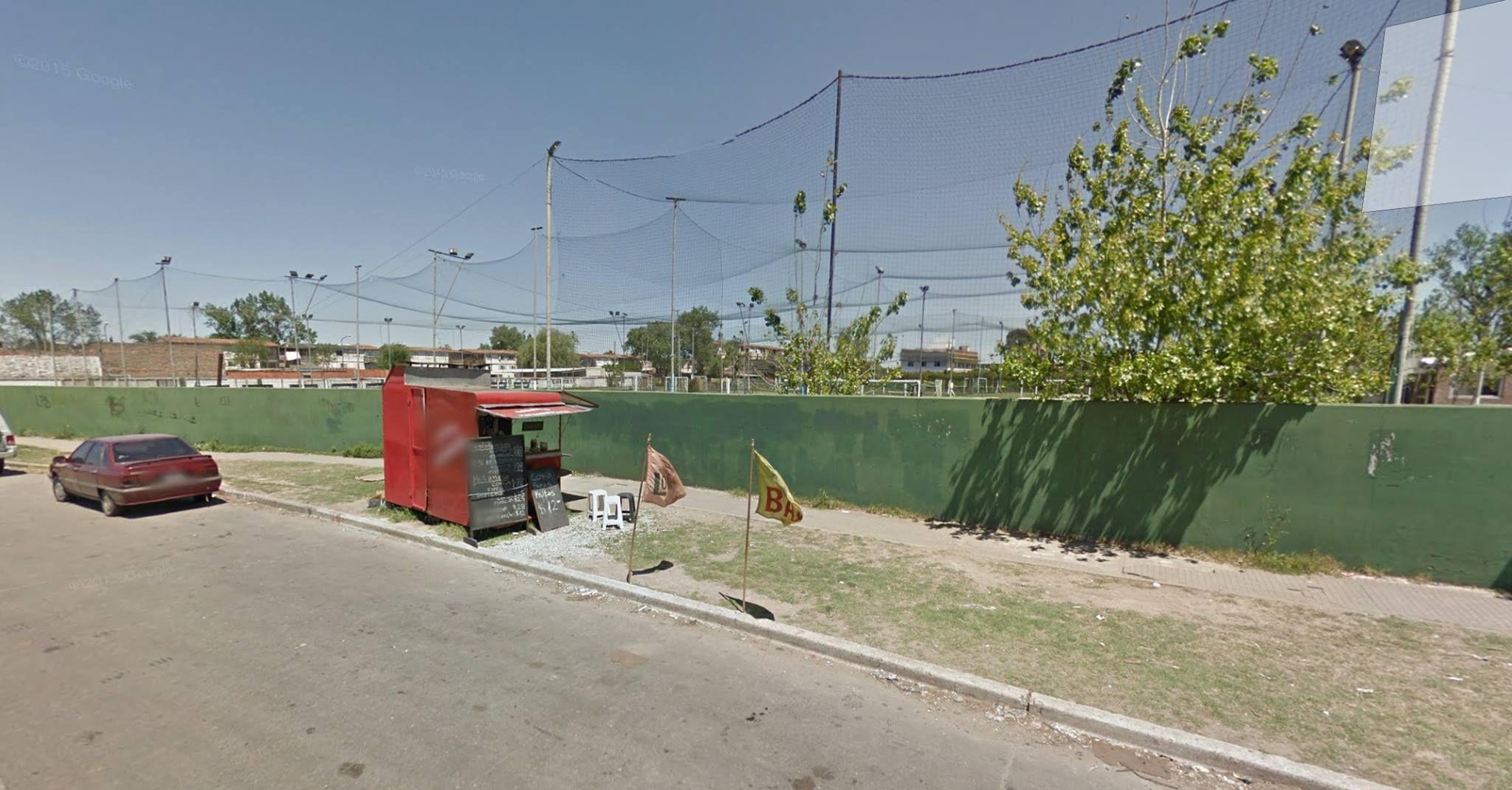 El carrito de Mendoza  y Circunvalación. Allí estaba la víctima cuando dos sicarios la ejecutaron. (Foto Google Street View)
