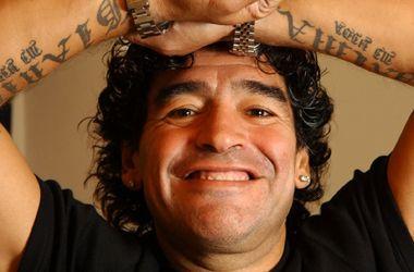 Según una encuesta, Maradona no debe seguir siendo el DT de la selección