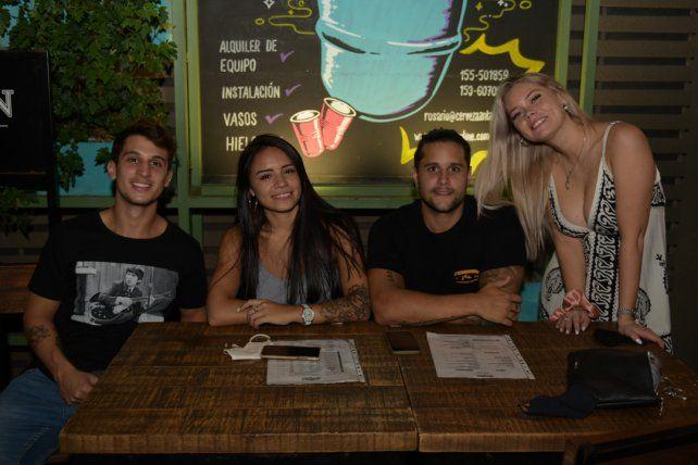 Facundo Abasto, Emiliana Romero, Camila Taborda y Santiago Brugo