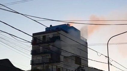 El siniestro se produjo en el cuarto piso del edificio.