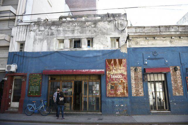 La chamuyera. El bar cultural ubicado en Corrientes al 1300