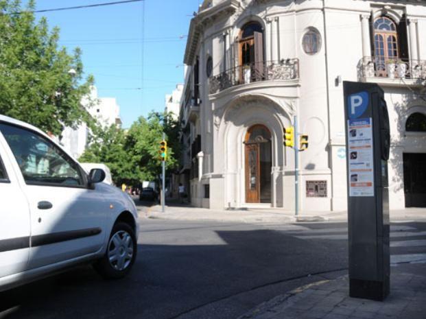 Leone descartó modificaciones en la tarifa para el estacionamiento medido. (Foto: Virginia Benedetto / La Capital)