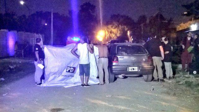 Acribillaron a balazos a un hombre cuando estaba en su auto en Pérez