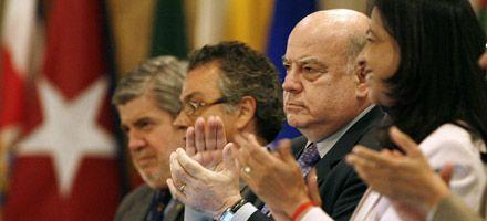 Después de casi medio siglo, Cuba es readmitida en el seno de la OEA