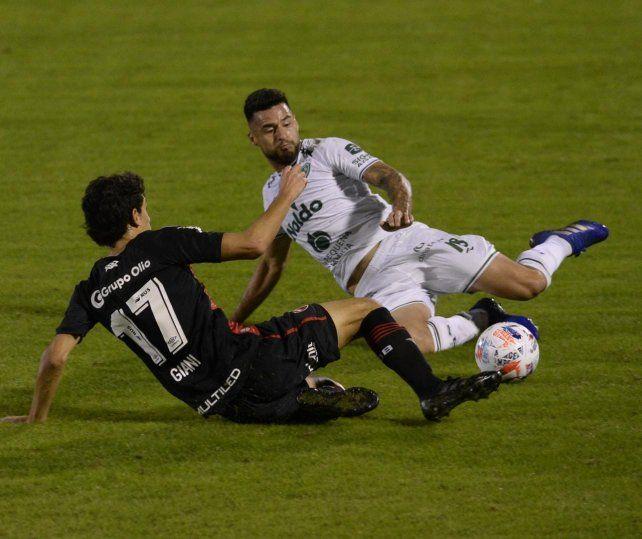 Newells empató con Sarmiento y terminó último en la Copa de la Liga
