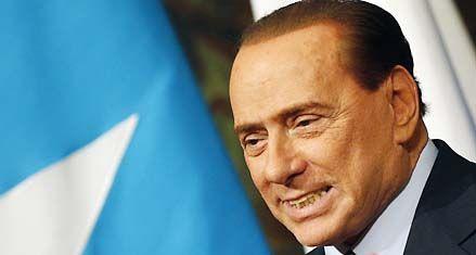 Los escándalos de Berlusconi no afectan a su coalición en los sondeos