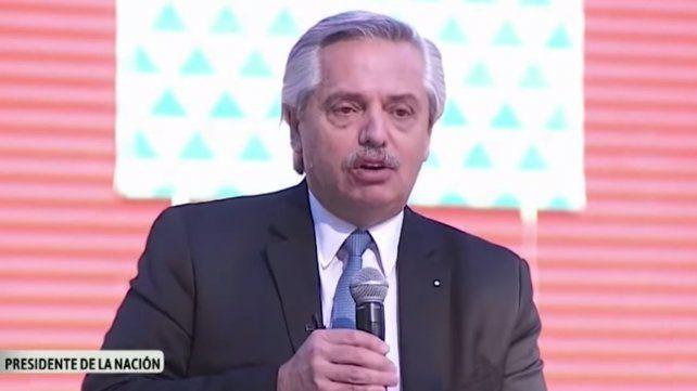 Alberto Fernández durante el acto realizado en el Centro Argentino de Protonterapia (CeArP).