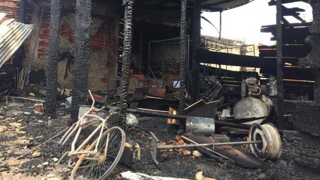 Incendio en Pérez con pérdidas materiales totales y sin heridos