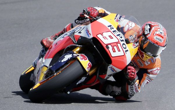 Imperturbable. A Marc Márquez el calor no le hizo mella y la suciedad de la pista ni lo inmutó. Fue el más rápido.
