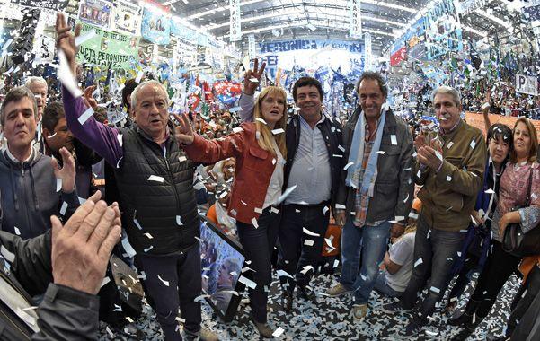 """Algarabía. Scioli destacó que Néstor y Cristina """"han interpretado las nuevas demandas de un pueblo""""."""