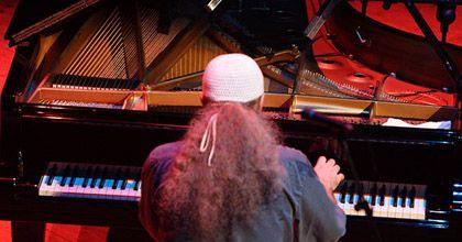 Egberto Gismonti: Para aprender música está la escuela