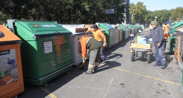 Suman más de 700 contenedores metálicos para los barrios de Rosario
