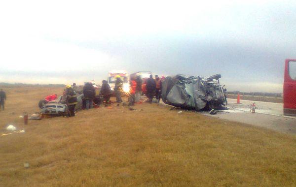 El accidente se produjo en la autopista Rosario-Córdoba. (Foto: Cadena 3)