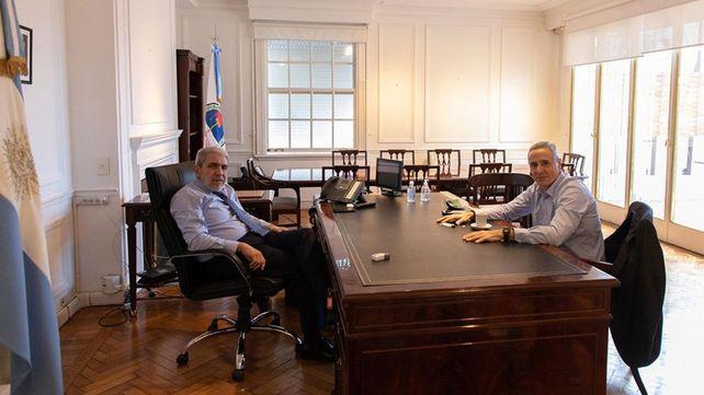 El ministro de Seguridad de la Nación Aníbal Fernández se reunió con el ex Ministro de Seguridad de la provincia y actual director del Organismo de Investigaciones del Ministerio Público de la Acusación de la provincia, Marcelo Sain.