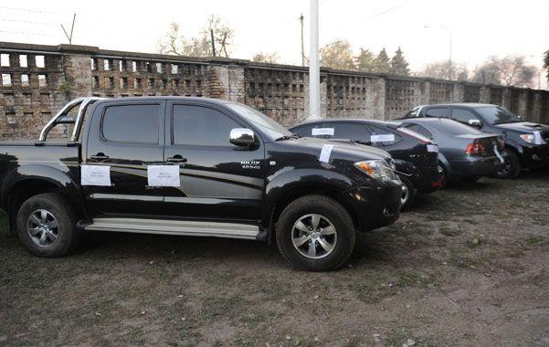 Otra camioneta. Una Toyota Hilux atribuida a distribuidores de Los Monos secuestrada ayer en pasaje Casal al 3700.