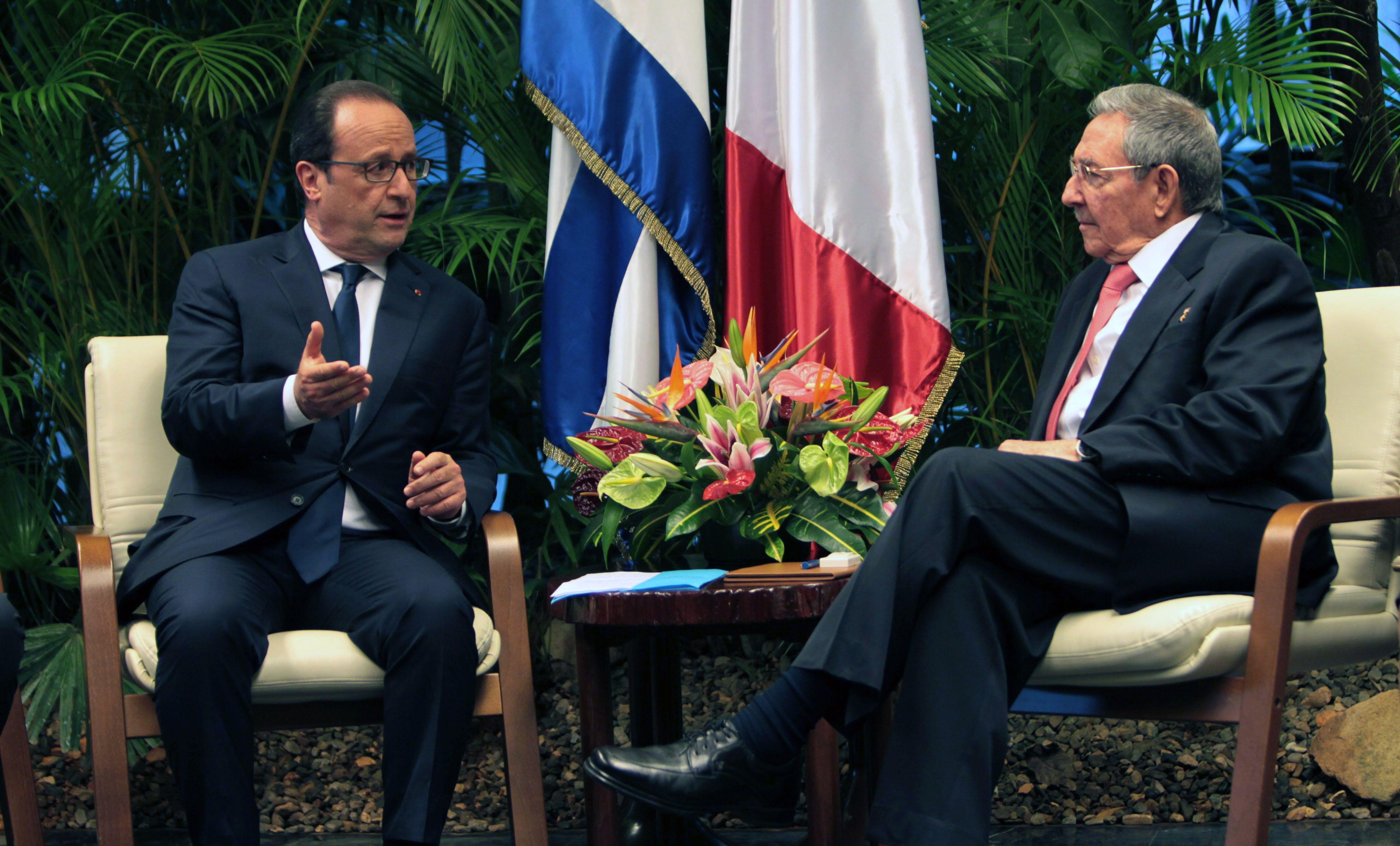 El presidente francés fue recibido por su par cubano