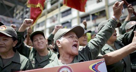 La salud de Chávez podría forzarlo a cambiar su estilo de gobernar