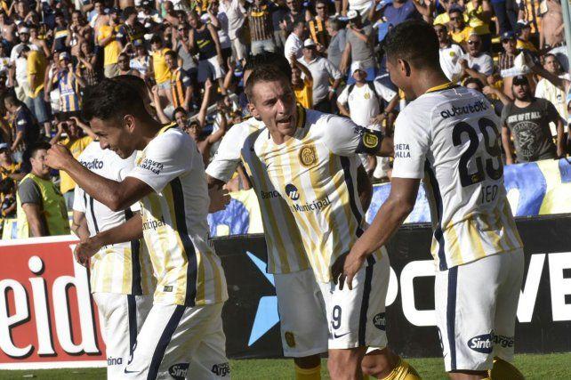 El festejo de gol de Teo Gutiérrez junto a Marco Ruben