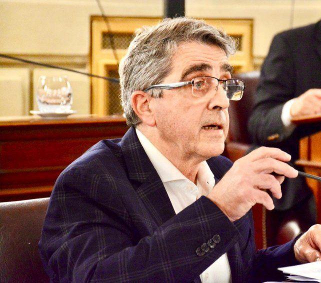 Senador. La intención de Armando Traferri es subsanar reclamos de comunas e intendencias.
