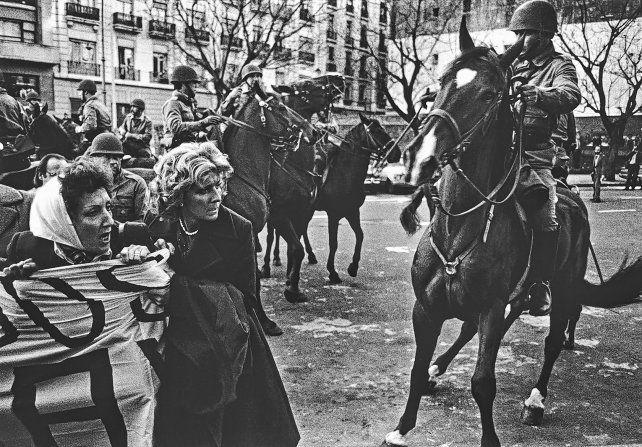 La lucha de las Madres. Fotografía tomada el 5 de octubre de 1982