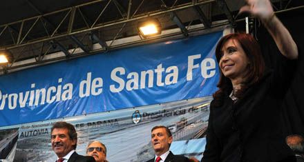 Cristina inauguró ayer una obra clave para Santa Fe y Entre Ríos