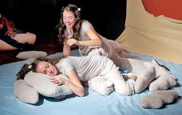 Entre mantas y almohadones. Yanina Gaggino y Florencia Passoni