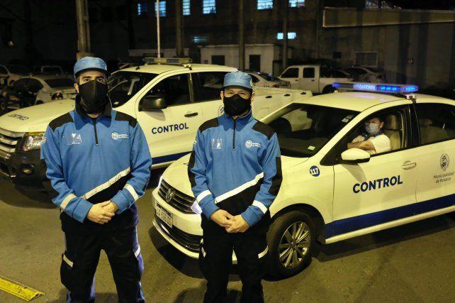 Adelanto. Así visten los agentes que ya serán vistos en las calles. El nuevo ploteado de sus vehículos.