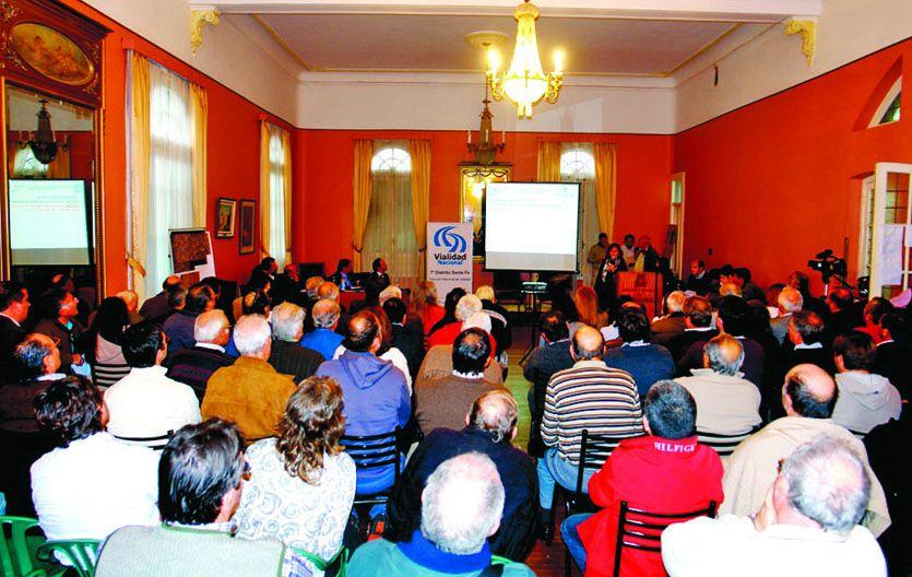 Aportes. En las reuniones solicitaron accesos a las localidades de la traza tentativa y obras complementarias.