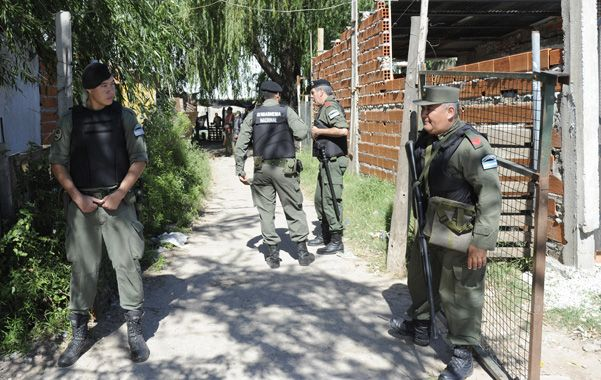 operativos en los búnkers. A principios de este mes llegaron los gendarmes que ahora están presentes en casi toda la ciudad. (Foto: S. Suárez Meccia)