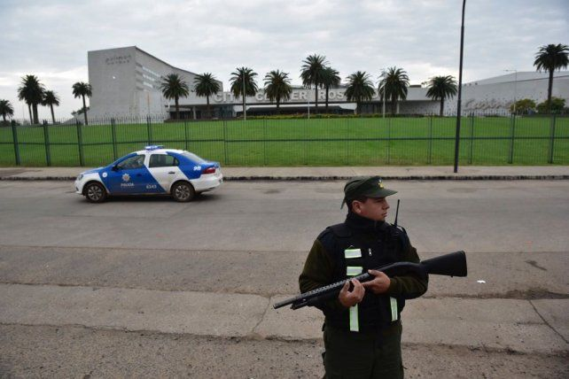 La custodia en los alrededores del City Center ya está a cargo de Gendarmería y la Policía provincial