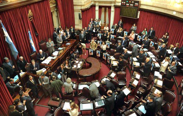 Los senadores iniciaron a las 19 el debate por el presupuesto