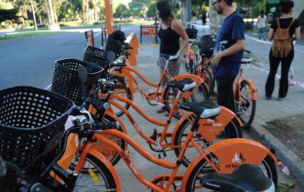 Flamantes. El sistema de bicicletas públicas debutó el pasado 29 de marzo y desde entonces cosecha elogios.
