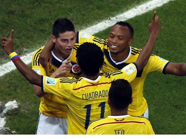 Todos los abrazos son para James Rodríguez