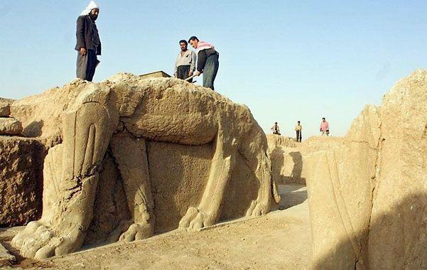 Expuestos e indefensos. Muchas de las joyas arquitectónicas de Nimrud se hallan en el museo de Bagdad.