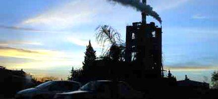 La usina Sorrento generó electricidad sólo un mes y otra vez está por colapsar