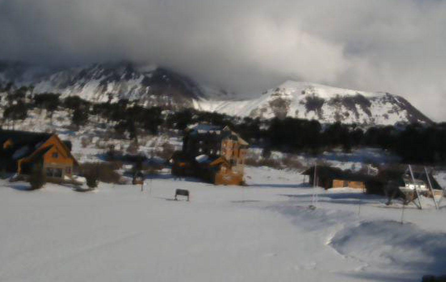 Caviahue. Temen por el inicio de la temporarada ya que partes de las pistas de nieve están sobre laderas del volcán.