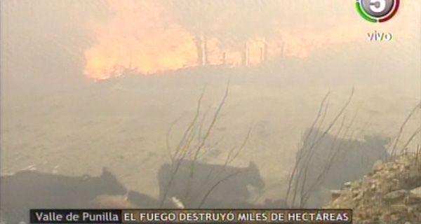 Siguen los incendios forestales en las cercanías de la ciudad de La Cumbre