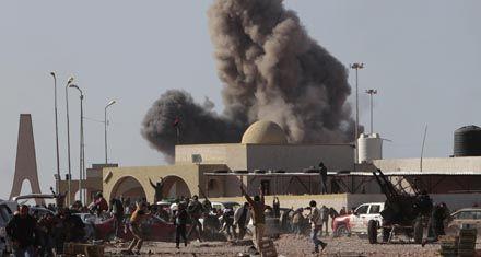 La oposición libia les ofreció irse al exilio a Kaddafi y su familia