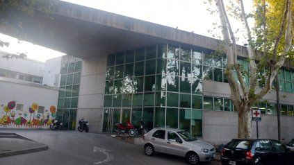 El Hospital Víctor J. Vilela donde es atendido el nene herido en barrio Tablada.